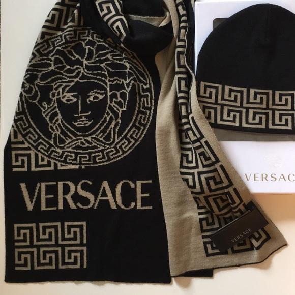 428df2cb0de BNWT Auth Versace revers scarf hat set w  gift box